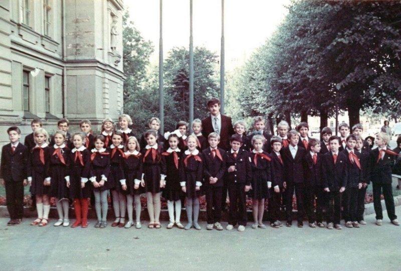 И.Н.Гусев, классный руководитель доблестного 4а класса, осень 1987 г. дети, история, факты, школа