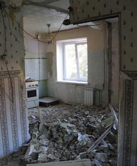 Чтобы увеличить площадь кухни, ее объединили с гостиной.