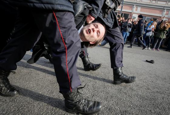 В царстве самоуверенного авторитаризма