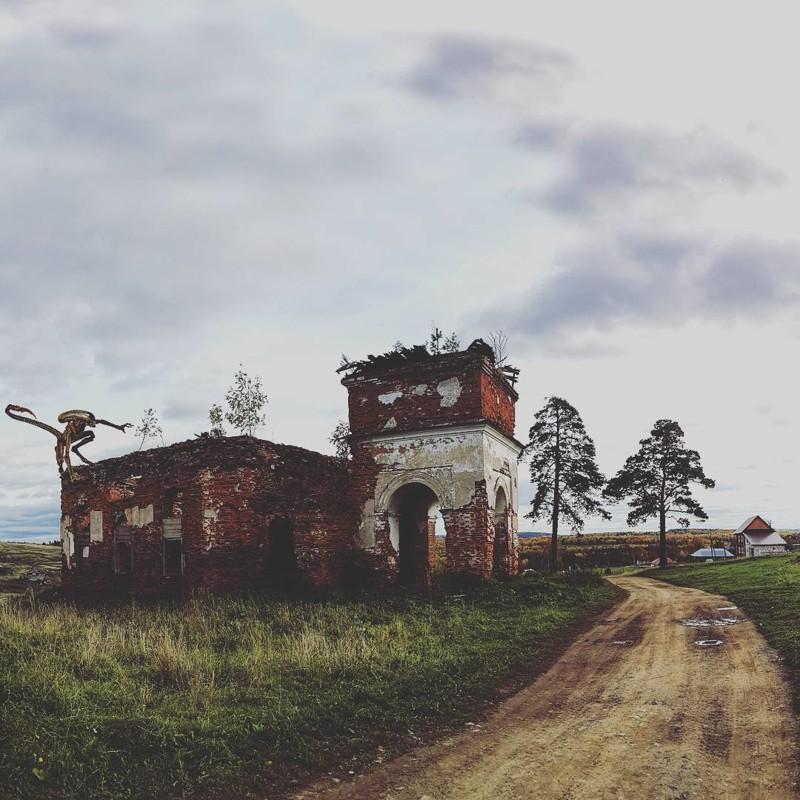 Жутковатое место, а еще туристы любят устраивать здесь разнообразные арт-выставки аномалии, аномальная зона, места, россия, факты