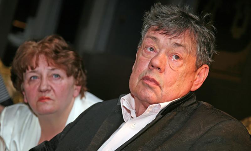 Супруга Караченцова собирает $1 млн на лечение актёра