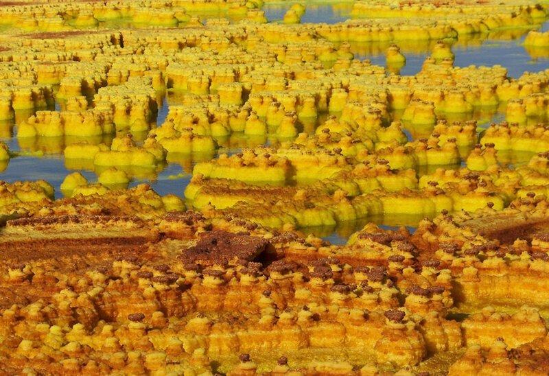 Минеральные отложения вблизи вулкана Даллол. Фото: Миклуа Маклай (Mikluha Maklai: Shutterstock) безжизненное место, вулканы, интересное, фотографии