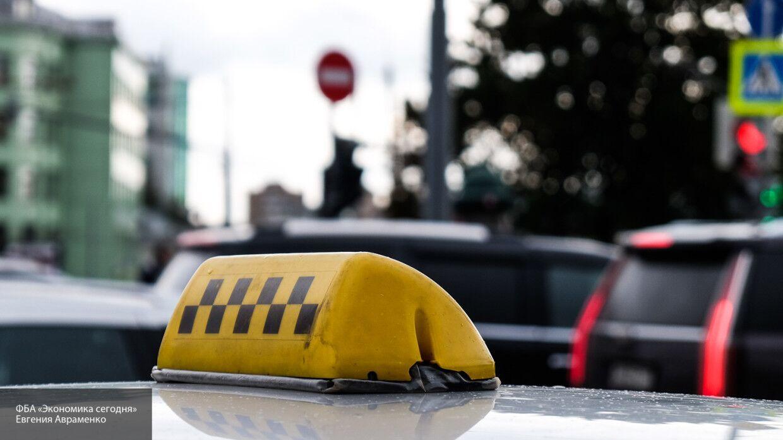 Пьяный водитель такси столкнулся с пассажирским автобусом в Ижевске