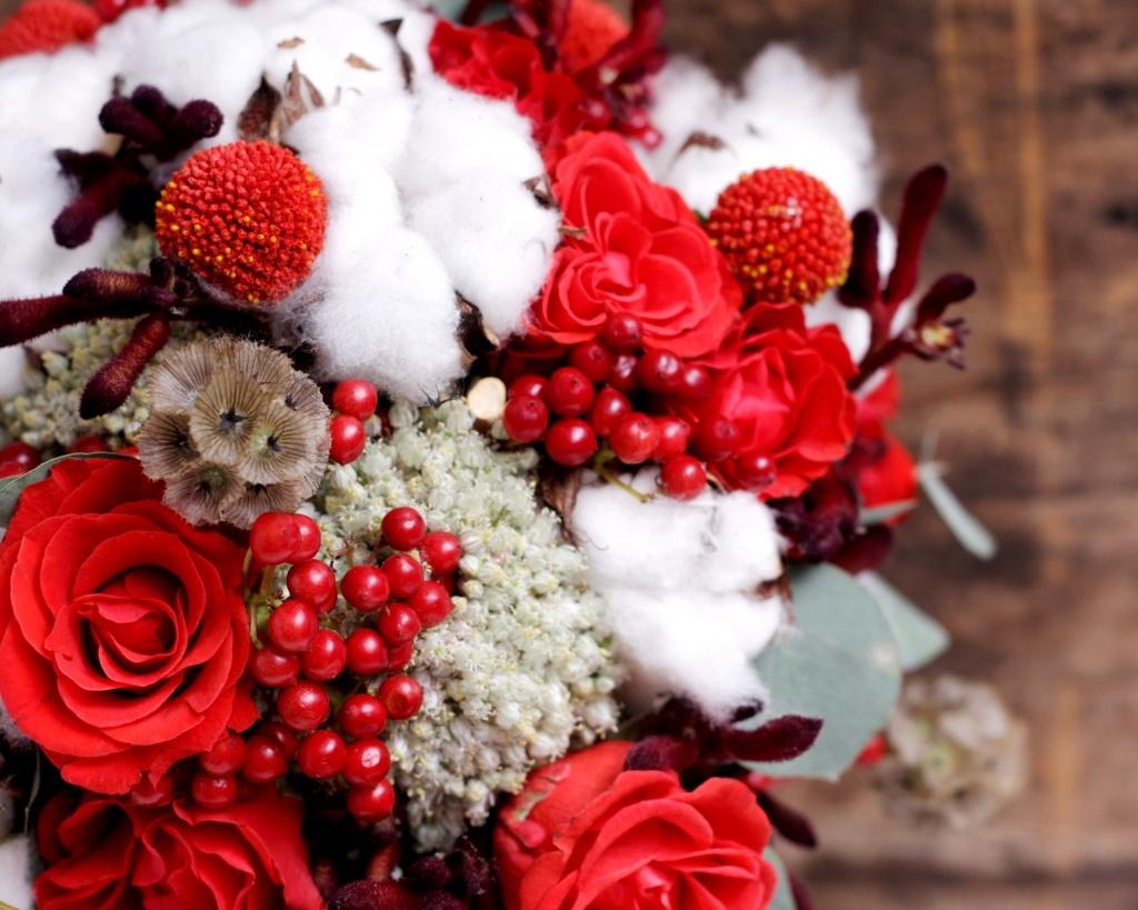 Склад цветов, зимний букет цветов на день рождения