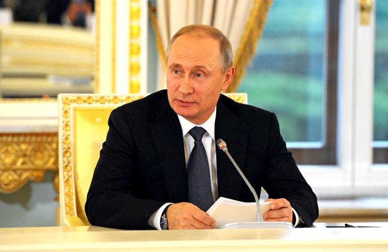 В России появляется «четвертая власть», которую может возглавить Путин Политика