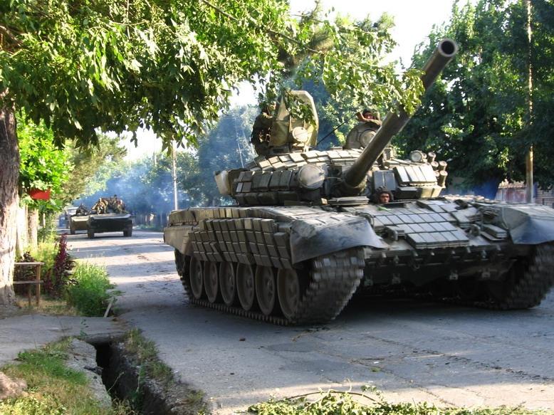 Украина перебрасывает вооружение к границам ЛНР
