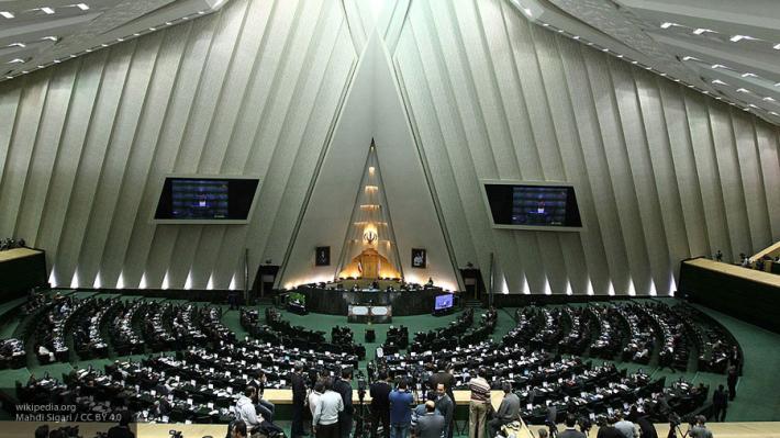 Сохранить отношения: Иран готов помочь Катару в кризисе
