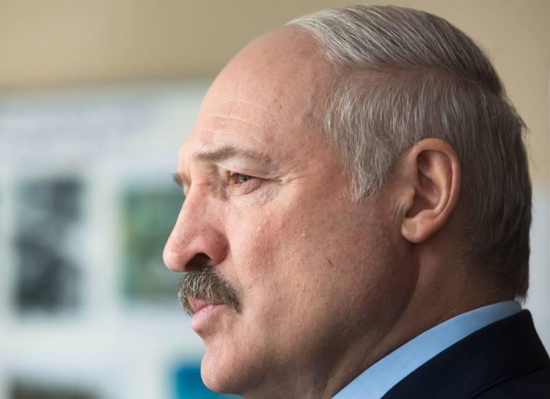 """Чтиво выходного дня: Лукашенко призвал """"стоять за независимость до конца"""""""