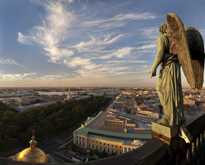 25 лет назад Ленинграду возвращено историческое название – Санкт-Петербург