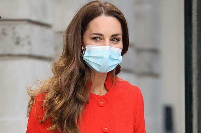 Кейт Миддлтон посетила Лондонскую больницу и архив Национальной портретной галереи