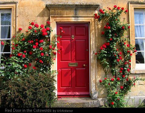 В какую сторону должна открываться дверь? Наружу или внутрь?