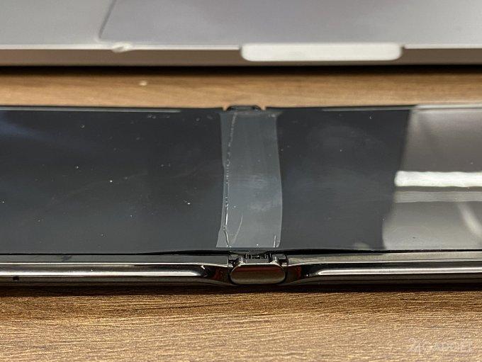 Смартфоны-раскладушки Samsung Galaxy Z Flip и Motorola RAZR совершенно неустойчивы к холоду гаджеты,смартфоны,технологии