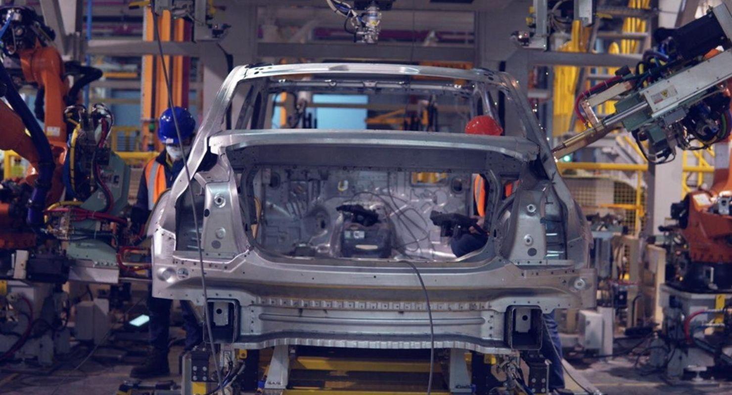 В Елабуге запустили линию сварки кузовов для автомобилей Aurus Автомобили