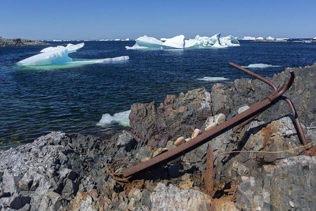 На острове Ньюфаундленд - самые скалистые берега Канады. айсберг, канада, красиво, океан, путешествия, туризм, туристы, фото