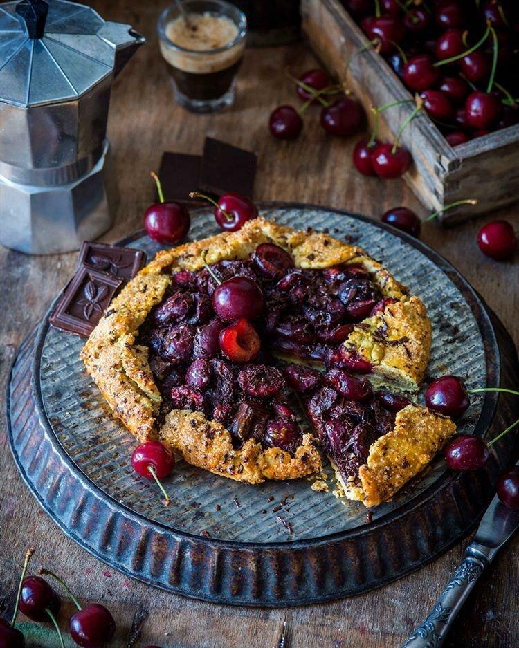 Сезонная радость! Три потрясающих рецепта выпечки с черешней рецепты,сладкая выпечка