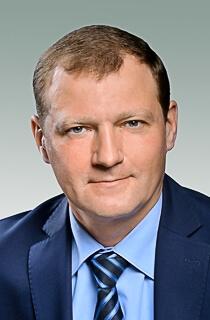 Омский единоросс Провозин посоветовал Путину самому заботиться о многодетных