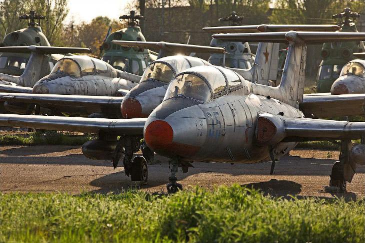 Заброшенный аэродром в Украине