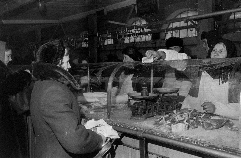 Рынки (базары) всегда являлись неотъемлемой частью нашей жизни дефицит в СССР, еда, магазины, очереди, рынки, советская торговля