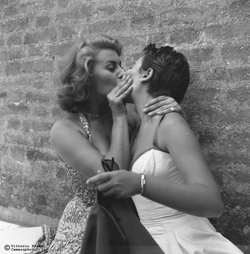 Софи Лорен со своей сестрой архив, венеция, негативы, фотографии