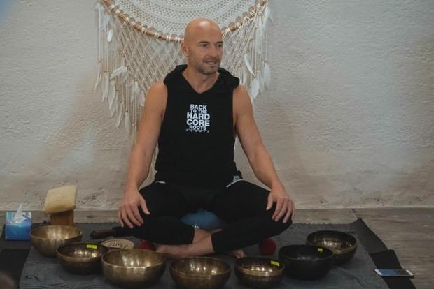 Тибетские поющие чаши: как они снимают стресс и почему стоит попробовать здоровье,йога,тибетская медицина