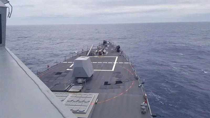 """США направили эсминец с """"Томагавками"""" в район залива Петра Великого"""
