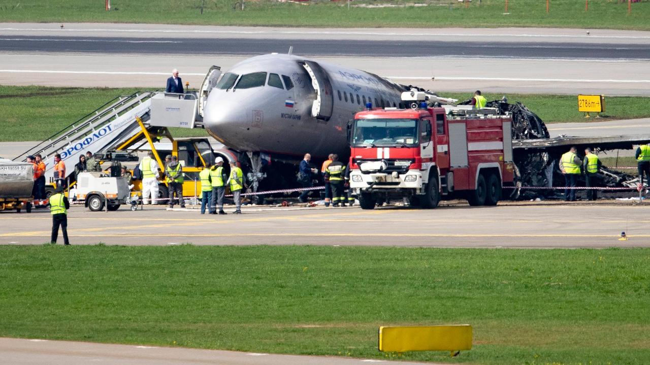 Росавиация назвала ошибки пилотов сгоревшего «Суперджета»