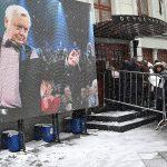 СМИ выяснили, кто утешил вдову Олега Табакова