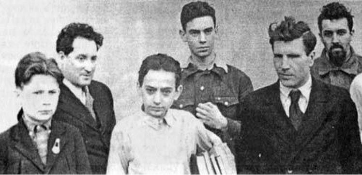 На математической олимпиаде школьников. Слева: С.В. Яблонский, Л.А. Люстерник, В.Г. Болтянский; справа Л.С. Понтрягин история, мальчик Лева