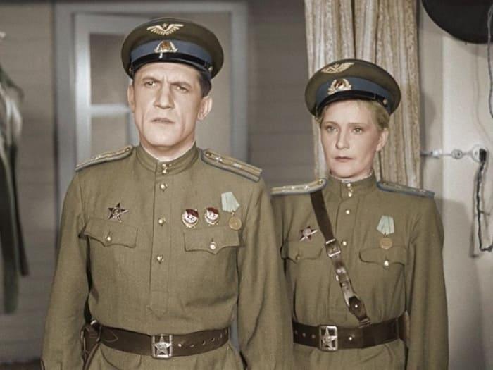 Кадр из фильма *Небесный тихоход*, 1945 | Фото: allgrach.livejournal.com