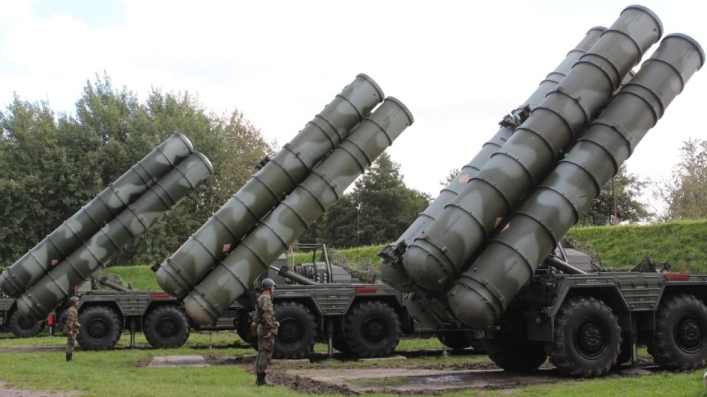 Расчеты С-400 отразили авиаудар условного противника на учениях «Запад-2021» Армия
