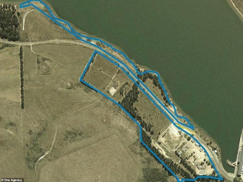 Деревня площадью 14 гектаров расположена у озера Вайтаки на Южном острове в Новой Зеландии. ynews, деревня, жилье, заброшенные места, новая зеландия, новости, продажа, фото