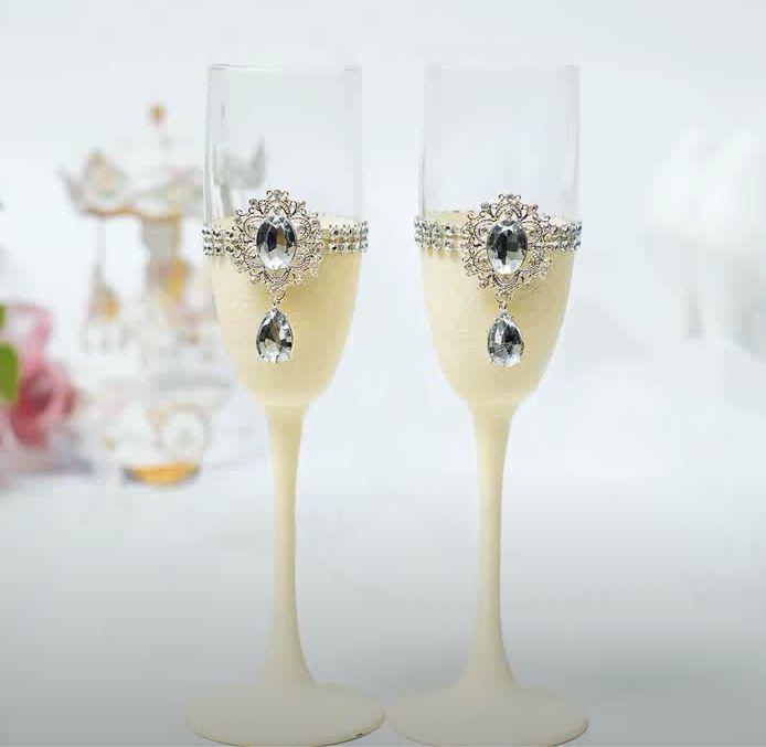 Свадебные бокалы своими руками. Декор стразами подарки,поделки,стекло и керамика