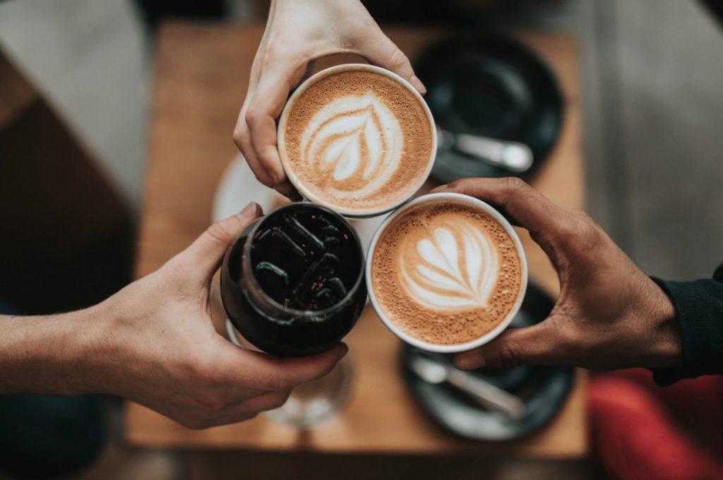 Почему нельзя пить кофе на голодный желудок?