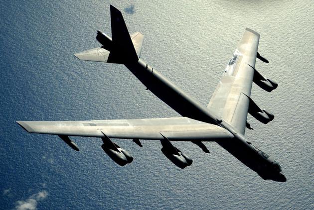 Главный бомбардировщик Холодной войны: история B-52 Пространство
