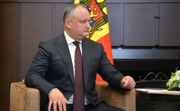 КС Молдавии вновь отстранил …