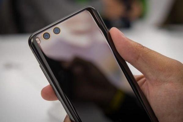 Названы официальные причины блокировки смартфонов Xiaomi на таможне