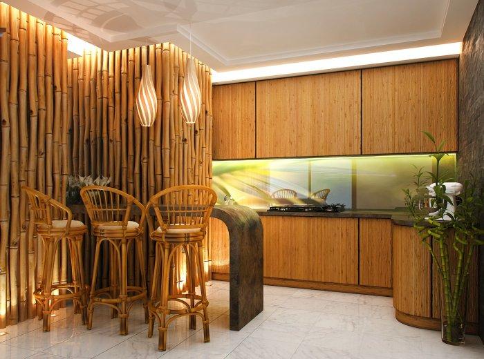 Стены, украшенные расщепленными и цельными стеблями бамбука, создают экостиль в любом помещении.