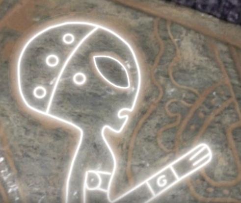 В Мексиканской пещере нашли барельефы с изображениями инопланетян