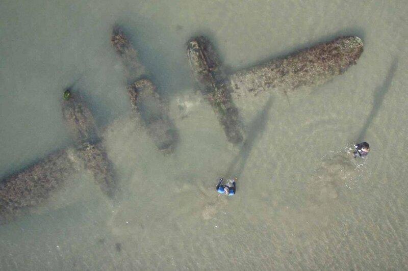 12. «Американский истребитель на валлийском пляже» в мире, вещи, интересно, находка, пляж, удивительно