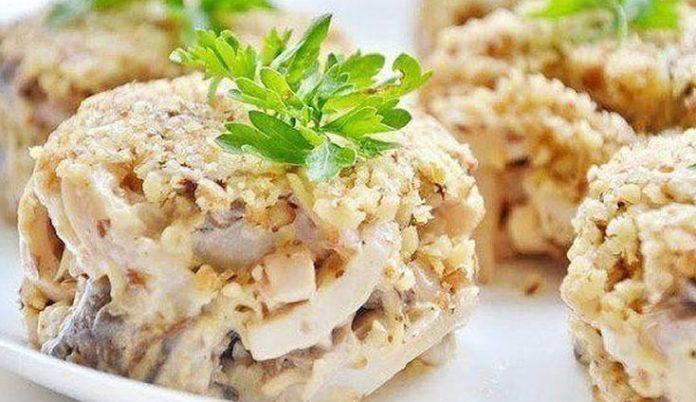 Салат с кальмарами, сыром и …