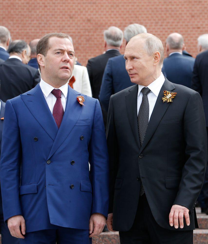 Медведев: настоящая фамилия, рост и семья. 10 вопросов о премьере