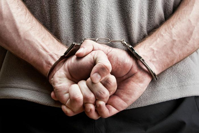 Как избавиться от наручников без ключа: так, на всякий случай