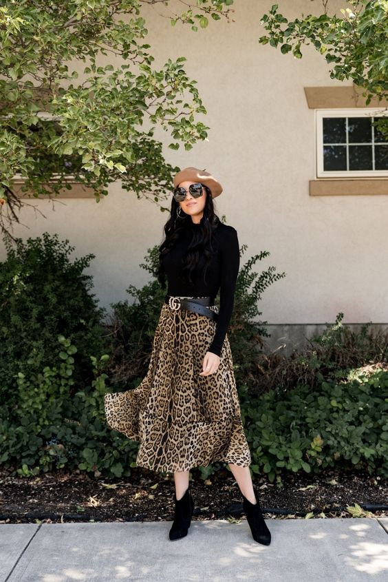 Леопардовая юбка и водолазка