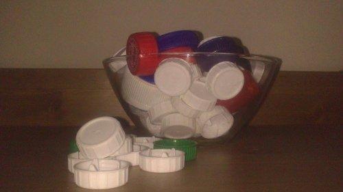 Почему в Испании почти в каждой семье на кухне стоит ёмкость с пластиковыми крышками