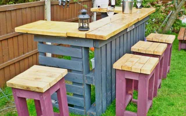 мебель из паллет в саду