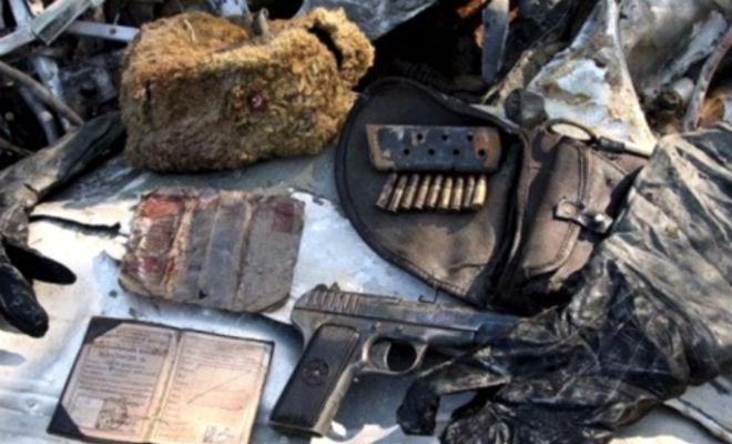 Автомат в руках: черные копатели достали оружие