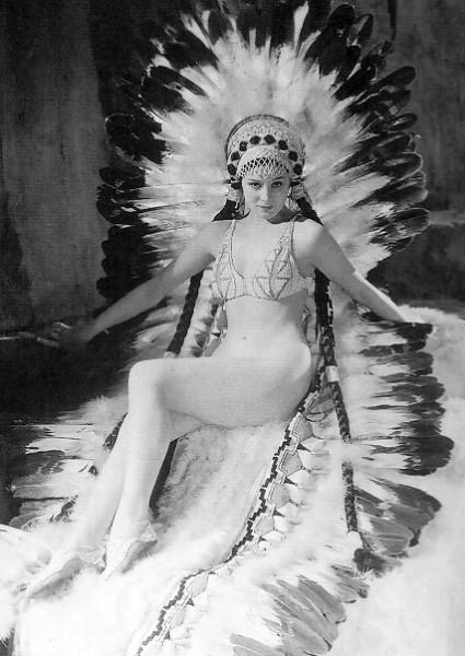 Красотка из 30-ых Кристина Мейпл история кино,кино,киноактеры,легенды мирового кино,моровой кинематограф,ностальгия