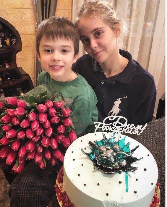51-летняя Ольга Кабо показала своих детей