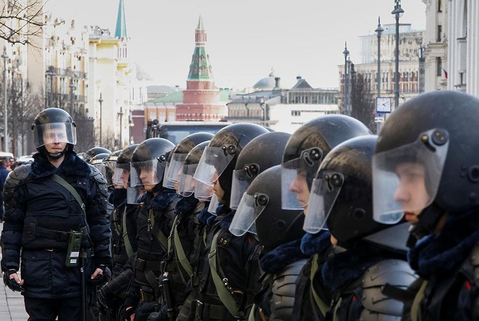 Власти назвали безукоризненной работу полиции во время митинга в Москве