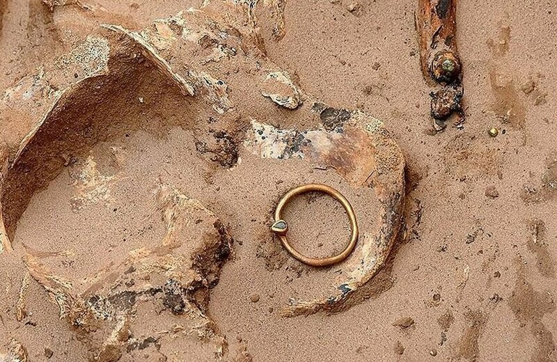Золотая ременная пряжка с бирюзой Астрахань, Сармат, археология, драгоценность, захоронение, находка, россия